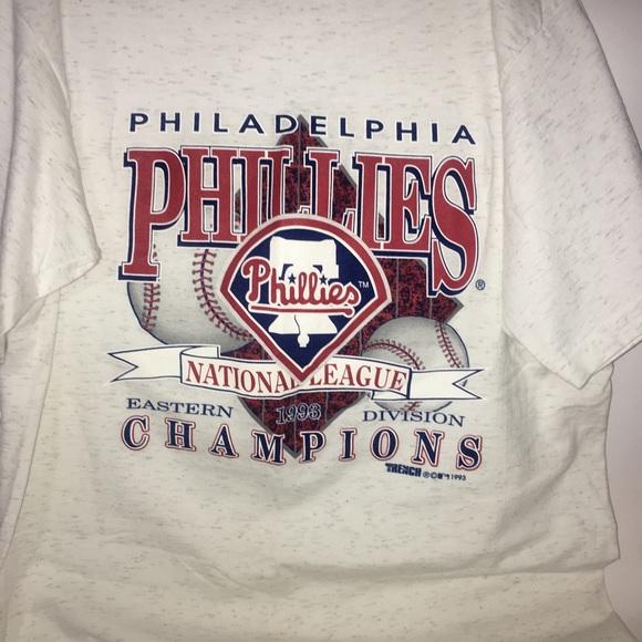 30fedfefd21 Vintage 90s Philadelphia Phillies T-shirt mens XL.  M 5a3ea7a0daa8f6508105472d